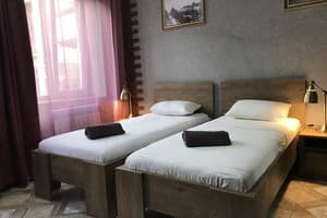 Хостел Compass. privat room 5 twin 3
